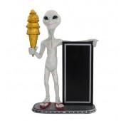 Alien mit Angebotstafel und goldenem Eis