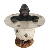 Mürrischer Gorilla im Ei Tisch
