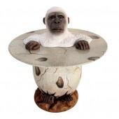 Weißer Gorilla im Ei Tisch