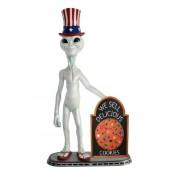 Alien amerika mit Keks auf Angebotstafel