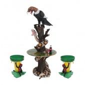 Schlange und Geier auf Baumstamm Tisch und Bananenhocker