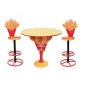 Hühnchen und Pommes Tisch mit Pommes Barhockern