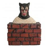 Werwolf Büste auf Mauer