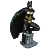 Batman klein auf Säule