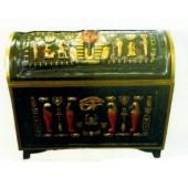 ägyptische Schatztruhe mit goldener Bemalung
