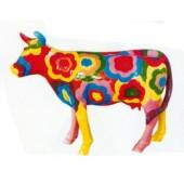 kleine farbige Kuh mit Blütenmuster