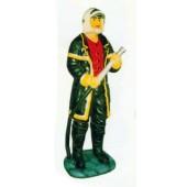 deutscher Feuerwehrmann mit Schlauch