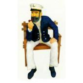 sitzender Seemann raucht Pfeife auf Bank Variante1