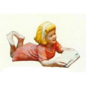 junges liegendes Mädchen ließt Buch