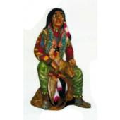 farbenfrohe Indianerin sitzend klein