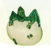 schlüpfendes Drachenbaby aus Ei