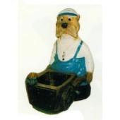 Robbe als Seemann mit Schubkarre klein