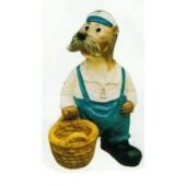 Robbe als Seemann mit Korb