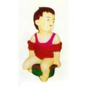 kleines Mädchen auf Töpfchen