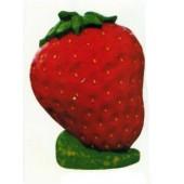 große Erdbeere stehend
