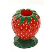 kleine Erdbeere als Stiftehalter