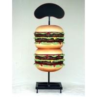 Hamburger groß mit Angebotstafel