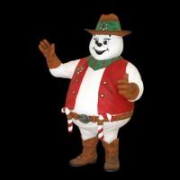 großer Schneemann als Sheriff mit Zuckerstangen