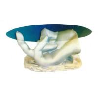 Glastisch mit silberner Hand