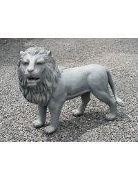Löwe stehend Granit