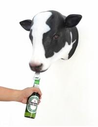Schwarzweißer Kuhkopf Flaschenöffner