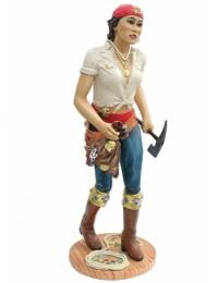 Piratenfrau mit Axt