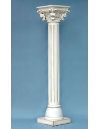 Große Säule in antik weiss