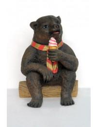 Grizzly Bär mit Eistüte