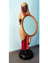 Ägypterin mit Spiegel