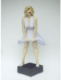 Marilyn Monroe Double über Gebläse
