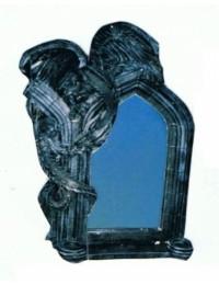 Gothischer Spiegel mit Drachen