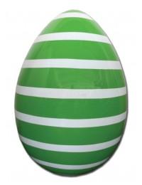Osterei grün mit weißen Streifen