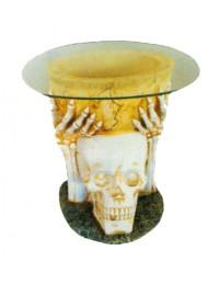 Glastisch mit Totenkopf