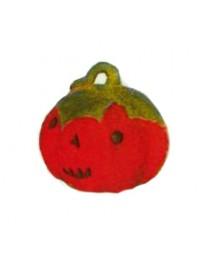 mittelgroßer Halloweenkürbis mit Gesicht