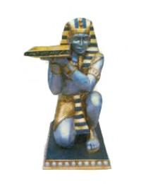 ägyptischer Diener mit Tablett sitzend