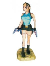 kleine Lara Croft mit 2 Pistolen