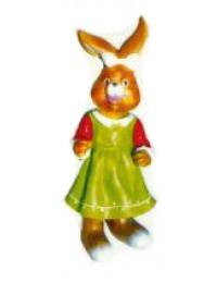 Osterhäsin klein im grünen Kleid