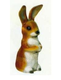 süßer sitzender Hase braun weiß