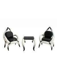 Stierhornsitze und Tisch