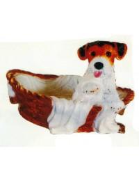 Jack Russell Terrier im Körbchen