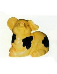 kleines fröhliches geflecktes Schweinchen