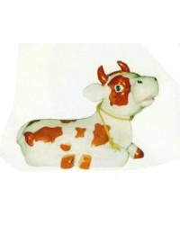 Braungefleckte Kuh liegend