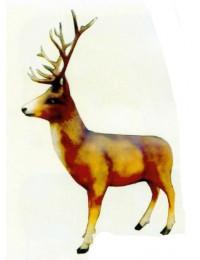 großer stehender Hirsch
