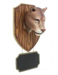 Löwenkopf mit Angebotsschild