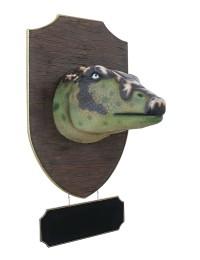 Dinosaurier Edmontoniakopf auf Holz mit Angebotsschild