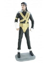 Michael im schwarz goldenem Kostüm