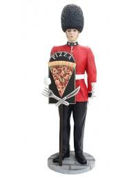 britischer Wächter mit PizzaSchild