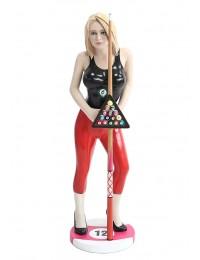 Model mit Billardkugeln und Stock