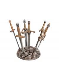 Schwerter der Ritter der Tafelrunde im Stein