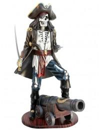 Piratenskelett auf Kanone